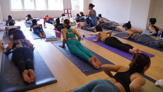 xây dừng chuỗi tư thế yoga
